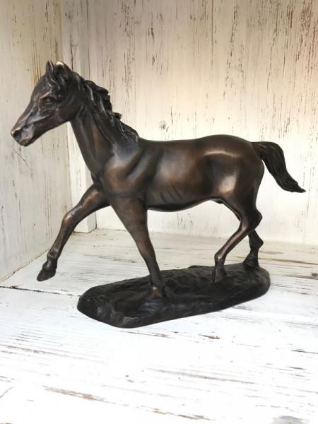 Bronzefigur Pferd auf Sockel