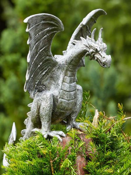 Alu-Figur Drache Terrador auf Stele(Art.Nr. 90166alu.4)