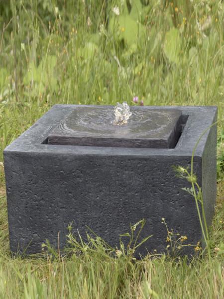 Brunnen Quader