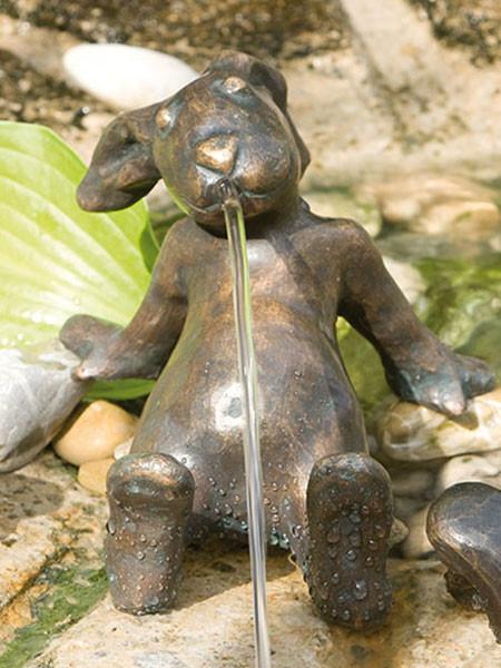 Bronzefigur Emil der Hase (Art.Nr. 88067)
