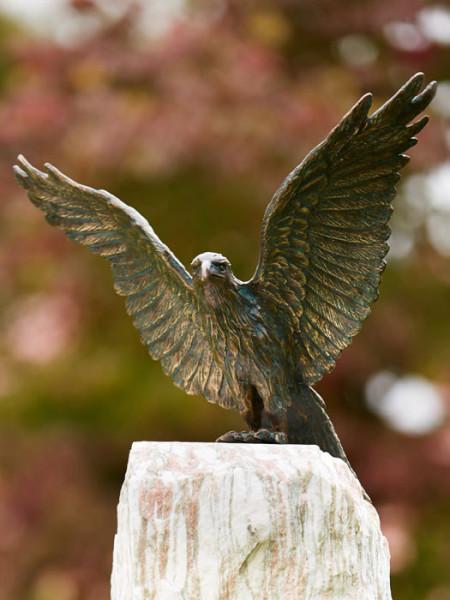 Bronzefigur Roter Milan, Flügel offen(Art.Nr. 88877)