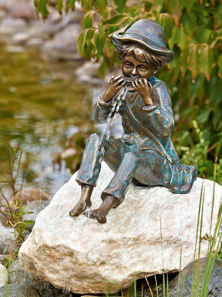Bronzefigur Til mit Mundharmonika (Art.Nr. 88588)