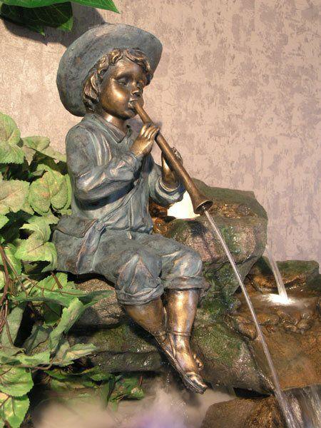 "Wasserspeier ""Flötenspieler"" aus Polystone (Art.Nr. gr812)"