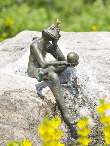 Bronzefigur Froschkönig Borris (Art.Nr. 88764)